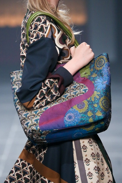 INPROCESS20150318_printed bag (427x640)